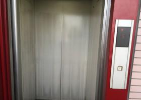 エレベーター BEFORE