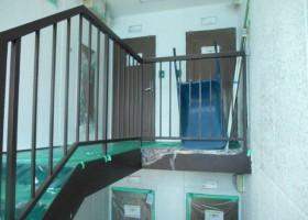 階段手すり塗装 BEFORE