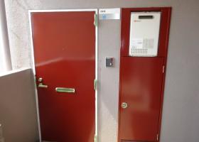 玄関ドア・パイプシャフト AFTER