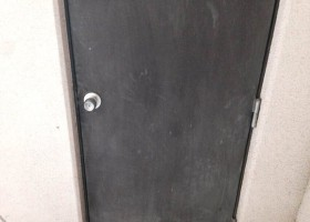 ドア塗装 BEFORE